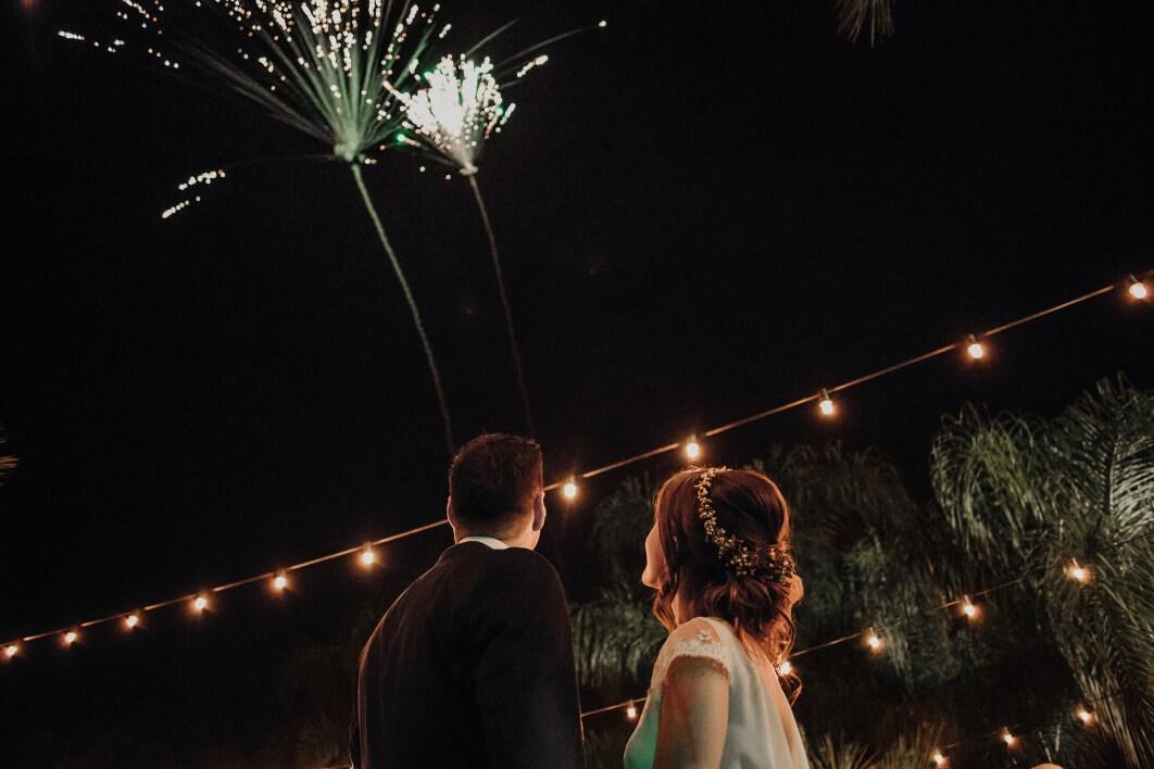 fuegos artificiales en una boda