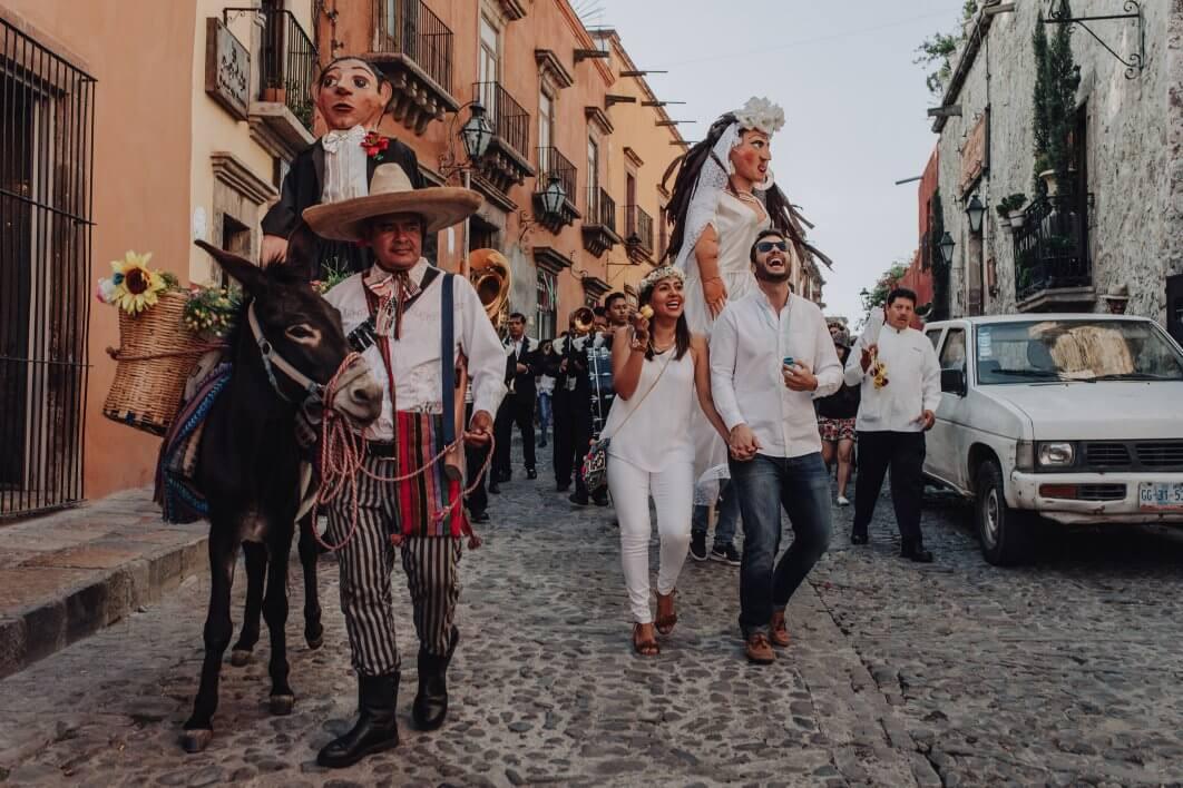 Callejoneada fotografia San Miguel de Allende