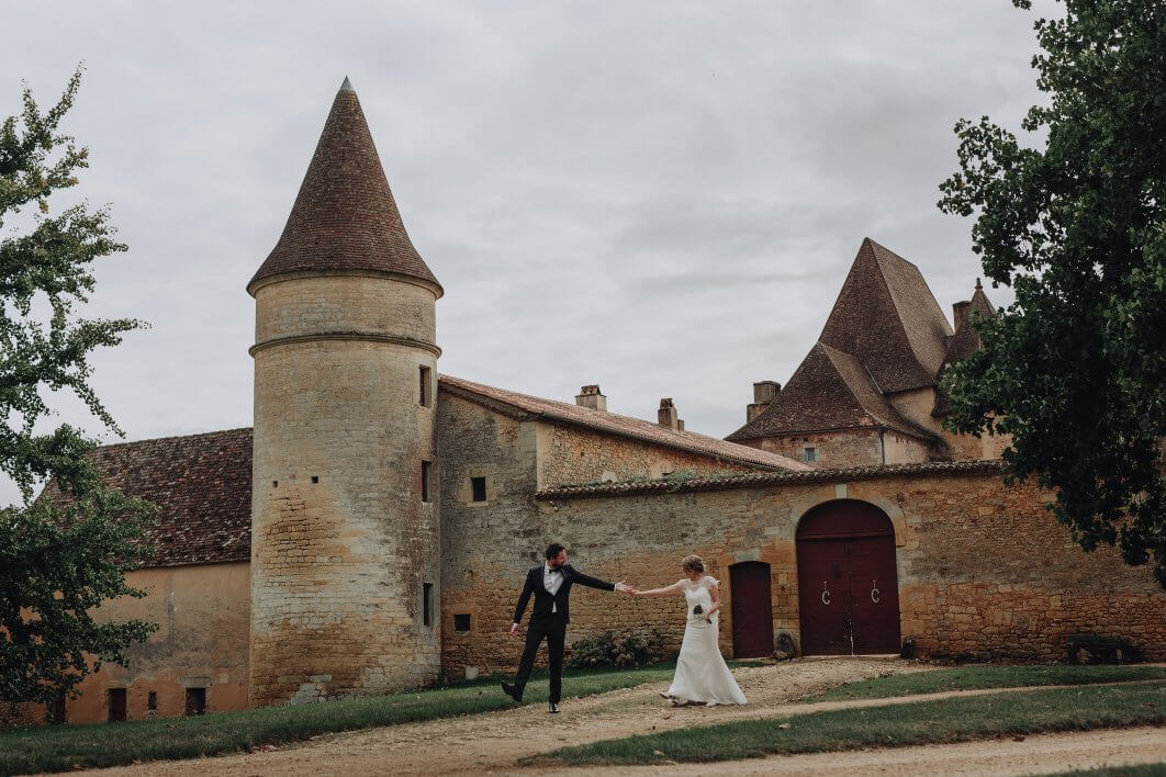 a French chateau wedding photographer