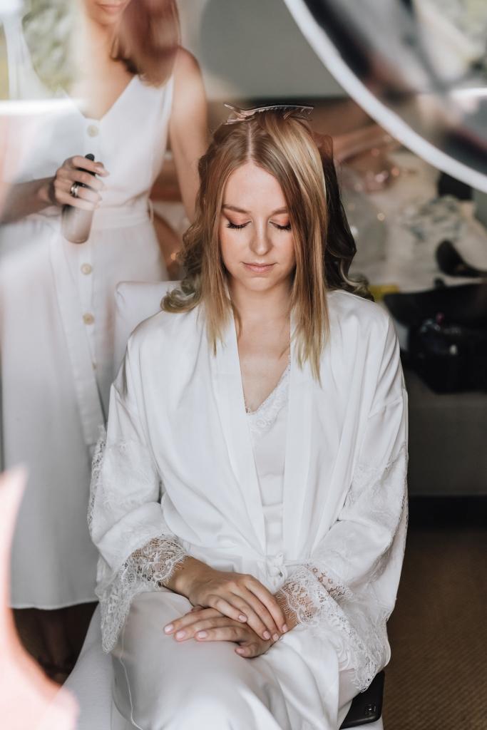 bride getting ready 1
